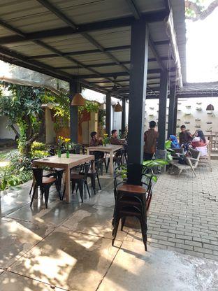 Foto 8 - Interior di Omah Sendok oleh Olivia @foodsid