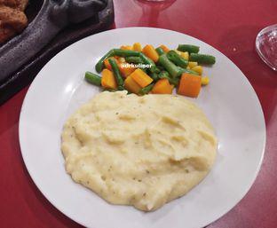 Foto 4 - Makanan di Kapten Steak oleh Devi Renat