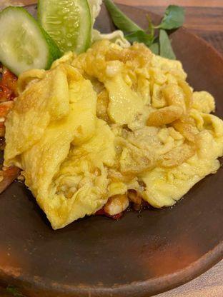Foto 1 - Makanan di Warung-e Chemil oleh Yohanacandra (@kulinerkapandiet)