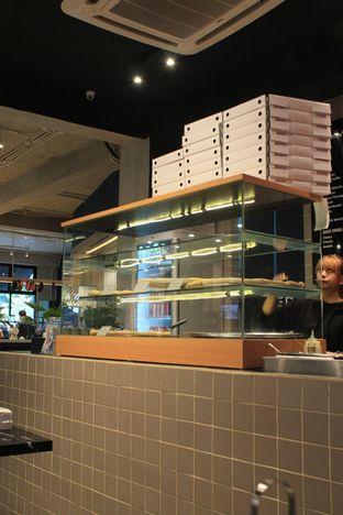 Foto 3 - Interior di Sliced Pizzeria oleh Prido ZH
