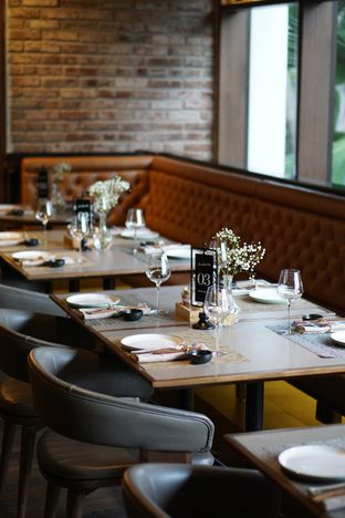 Foto 11 - Interior di Ambiente Ristorante - Hotel Aryaduta Jakarta oleh Belly Culinary