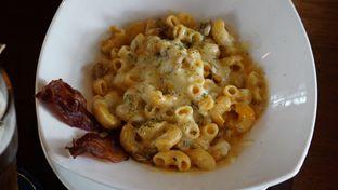 Foto 2 - Makanan(Mac & cheesw) di BREWERKZ Restaurant & Bar oleh Kelvin Tan