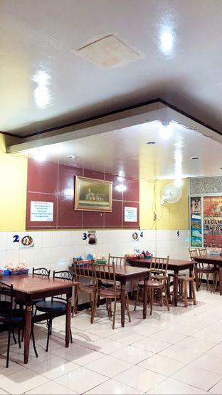 Foto 6 - Interior di Mie Keriting Medan Asun oleh Riris Hilda