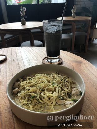 Foto 1 - Makanan(Aglio Olio Pasta) di Bukan Ruang oleh April Prabowo