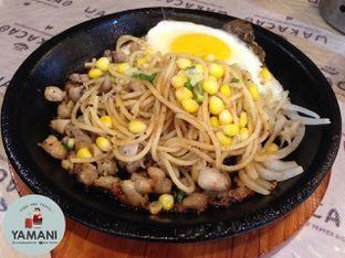Foto 1 - Makanan(Chicken Spaghetti) di Wakacao oleh awakmutukangmakan