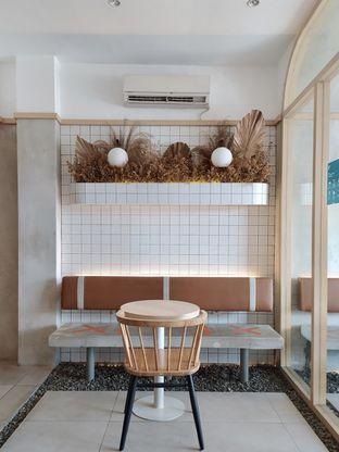 Foto 1 - Interior di Coffeeright oleh Prido ZH
