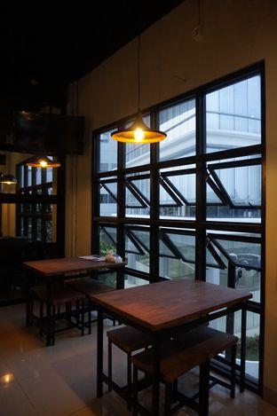 Foto 10 - Interior di KRAH Coffee & Cuisine oleh yudistira ishak abrar