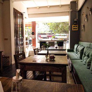 Foto 12 - Interior di PLUIE Cafe & Resto oleh duocicip