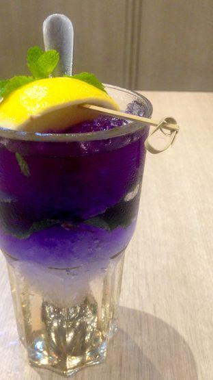 Foto 4 - Makanan(Lavender Lychee) di Bakerzin oleh Dianty Dwi
