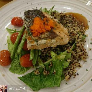 Foto 5 - Makanan(Grilled Ponzu Salmon) di Caffe Pralet oleh arthy_714