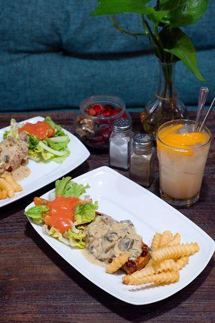 Foto 4 - Makanan di PLUIE Cafe & Resto oleh yudistira ishak abrar