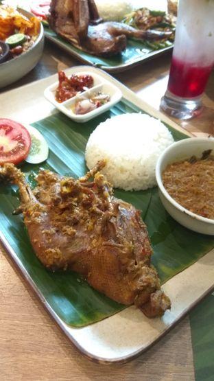 Foto 3 - Makanan(Bebek Betutu Gianyar (IDR 98k)) di Taliwang Bali oleh Renodaneswara @caesarinodswr