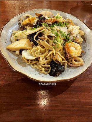 Foto 11 - Makanan(Oyster Sauce Seafood Fried Noodle) di Twelve oleh Alvin Johanes