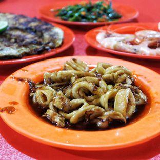 Foto 2 - Makanan(Cumi Saus Tiram) di Indah Seafood 94 oleh Yenni Tanoyo