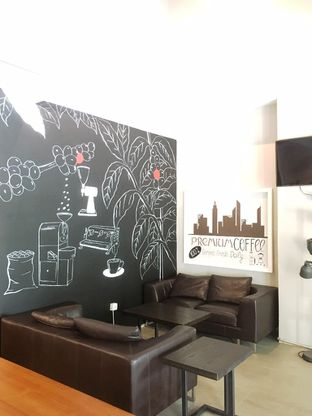 Foto 5 - Interior di Kapyc Coffee & Roastery oleh Prido ZH