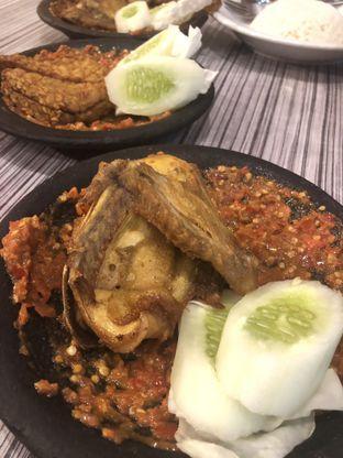 Foto 2 - Makanan di Warung Bu Kris oleh Vionna & Tommy