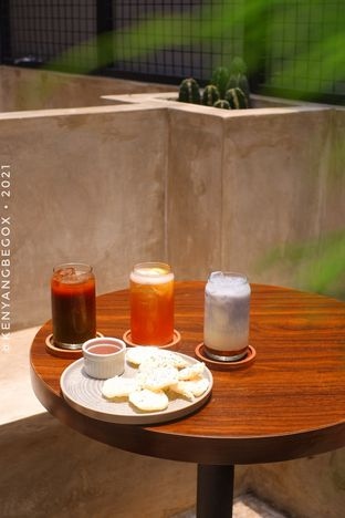 Foto review Upstairs Coffee Signature oleh Vionna & Tommy 7