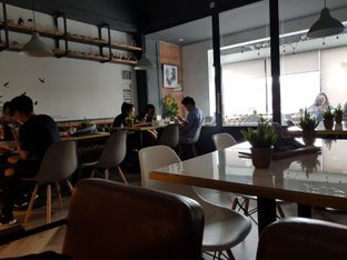 Foto 4 - Interior di Nordic Coffee oleh Amrinayu