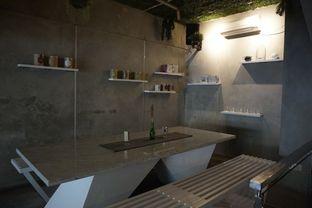 Foto 15 - Interior di Awesome Coffee oleh yudistira ishak abrar