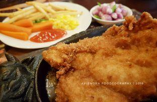 Foto 1 - Makanan(Chicken Steak) di Gandy Steak House & Bakery oleh Avien Aryanti