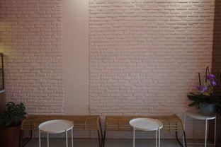 Foto 7 - Interior di Lala Coffee & Donuts oleh Prido ZH
