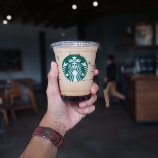 Foto review Starbucks Coffee oleh Chris Chan 3