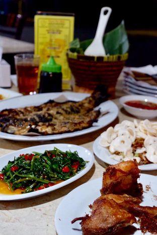 Foto 6 - Makanan di Pondok Ikan Bakar Khas Kalimantan oleh yudistira ishak abrar