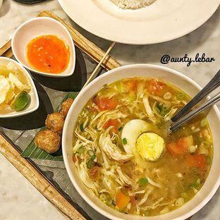 Foto 1 - Makanan(Soto Ayam) di JJ Royal Brasserie oleh Aunty Lebar