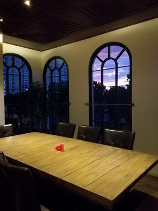 Foto 2 - Interior di Red Door Koffie House oleh Lili Alexandra