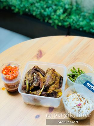 Foto 1 - Makanan(gioi's signature crispy duck) di Gioi Asian Bistro & Lounge oleh Sienna Paramitha