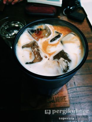 Foto 3 - Makanan(salted caramel latte iced) di Calibre Coffee Roasters oleh @supeririy