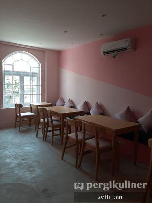 Foto 4 - Interior di Waroeng Abie oleh Selfi Tan