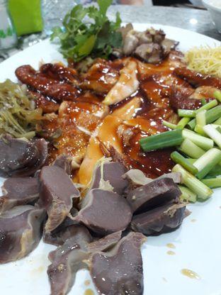 Foto 4 - Makanan di Bubur Ayam Mangga Besar 1 oleh Michael Wenadi