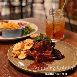 Foto 1 - Makanan(Banoffee Waffles) di Hummingbird Eatery oleh Clarine  Neonardi   @JKTFOODIES2018