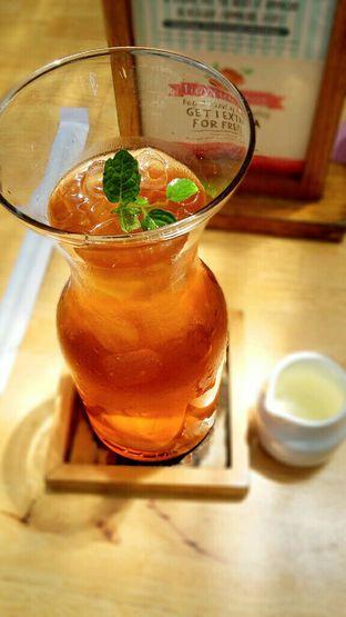 Foto 3 - Makanan(Snazzy Peach) di Hummingbird Eatery oleh chubby Bandung
