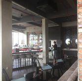 Foto Bar Lantai 2 di SOUL Drink & Dine
