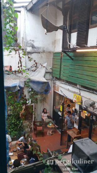 Foto 2 - Interior di Giyanti Coffee Roastery oleh Selfi Tan