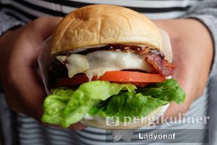 Foto 6 - Makanan di Goods Burger oleh Ladyonaf @placetogoandeat