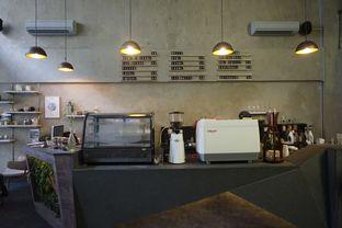 Foto 16 - Interior di Awesome Coffee oleh yudistira ishak abrar