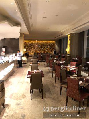 Foto 12 - Interior(sanitize(image.caption)) di The Cafe - Hotel Mulia oleh Patsyy