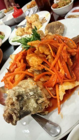 Foto 7 - Makanan(Gurame Asam Manis) di Chang Tien Hakka Kitchen oleh YSfoodspottings
