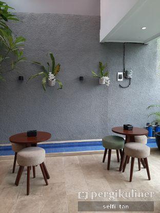 Foto 6 - Interior di Caffeine Suite oleh Selfi Tan