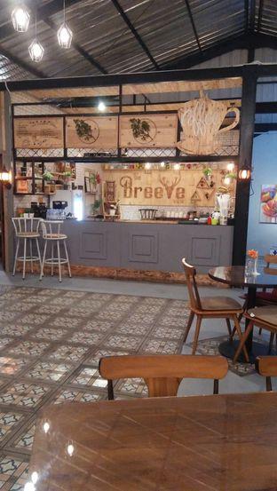 Foto 5 - Interior di Breeve Hills Resto & Cafe oleh Review Dika & Opik (@go2dika)
