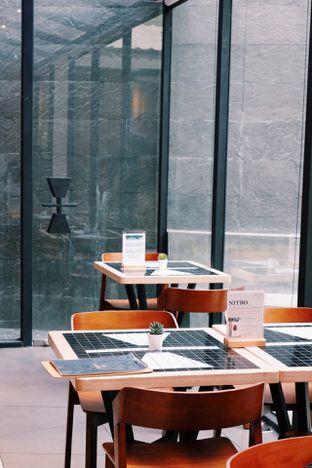 Foto 8 - Interior di Ardent Coffee oleh Indra Mulia