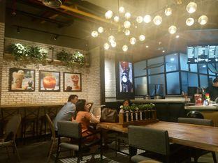 Foto 4 - Interior di KOI Cafe oleh yudistira ishak abrar