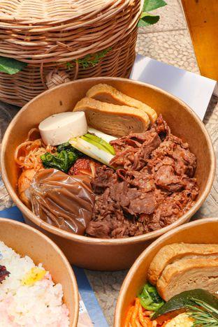 Foto 4 - Makanan di Hotaru Deli oleh thehandsofcuisine