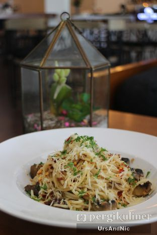 Foto 5 - Makanan(Spaghetti Mushroom Aglio Olio ) di Coffee On Fifth oleh UrsAndNic
