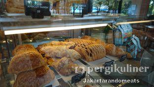 Foto 7 - Interior di Caribou Coffee oleh Jakartarandomeats