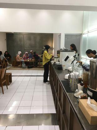 Foto 7 - Interior di Titik Temu Coffee oleh Prido ZH