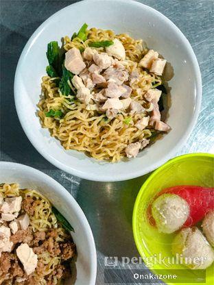 Foto 3 - Makanan di Bakmi Lung Kee oleh Onaka Zone